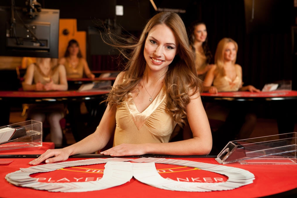 Live Dealer Casino Games for Canadian Players